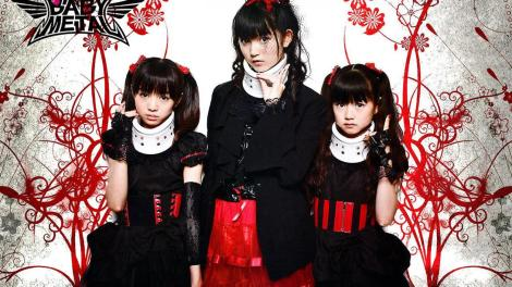 1600x900_babymetal_headbangeeeerrrr_light-1551278